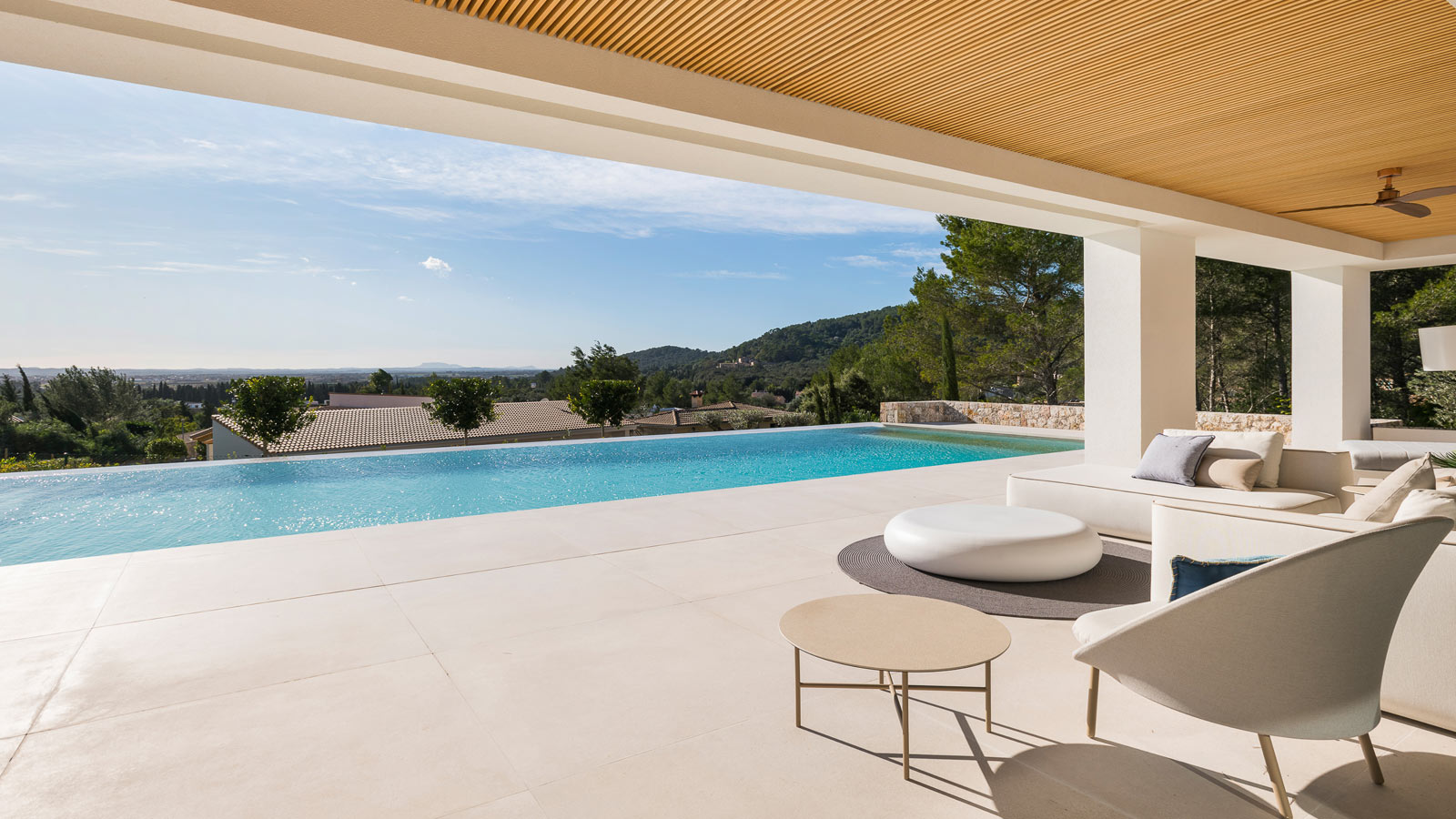 PORCELANOSA Group Projects: A chalet for indulging in the delights of Crestatx in Mallorca
