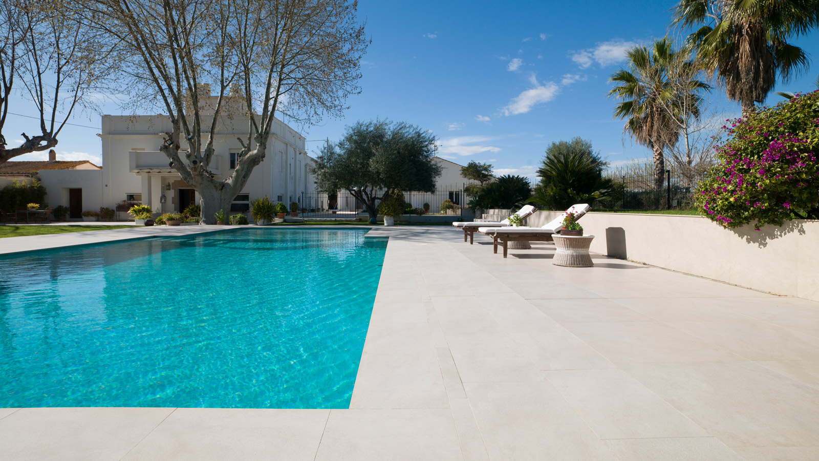 PORCELANOSA Group Projects: El Coso, a garden opposite the Mediterranean