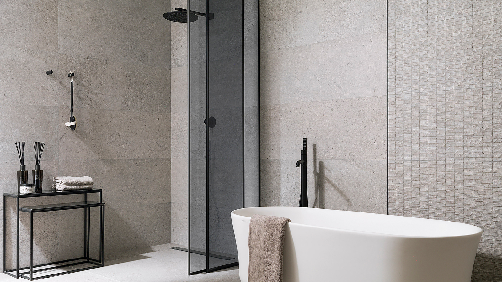 How to swap your bath for a shower tray with solutions from PORCELANOSA
