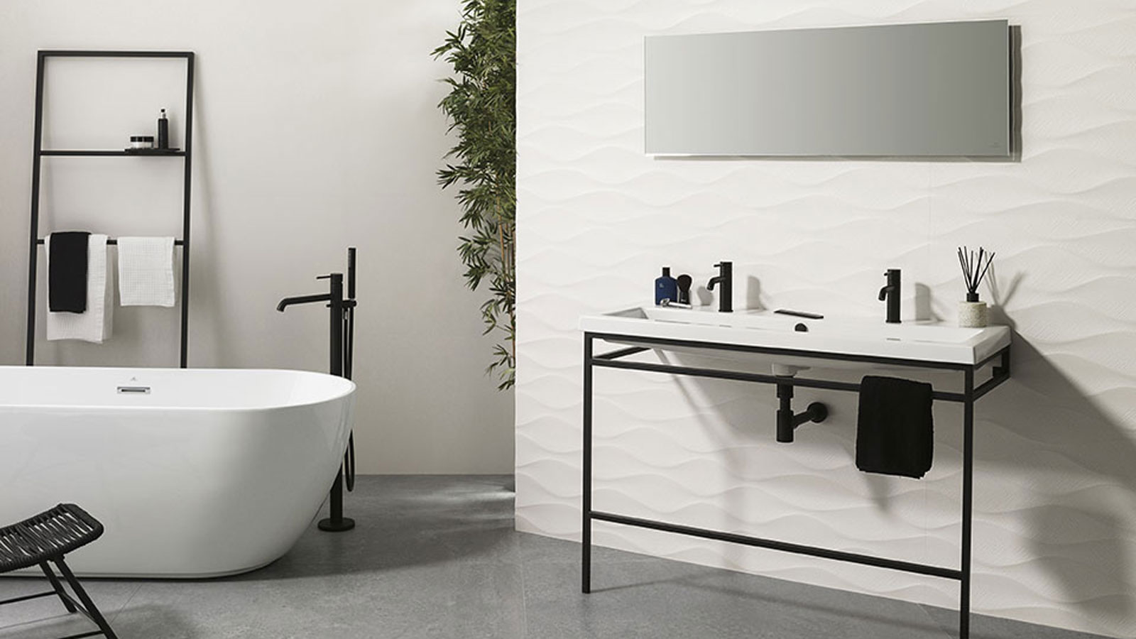 Free-standing-bath-and-shower-mixer-tap