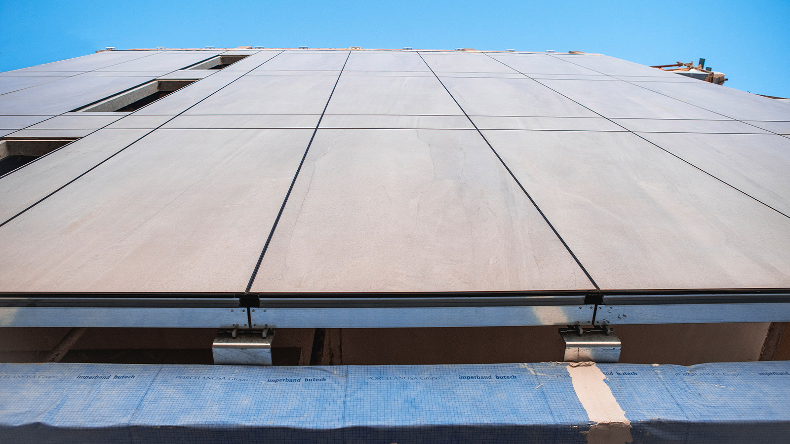 The advantages of prefabricated façades in modern architecture