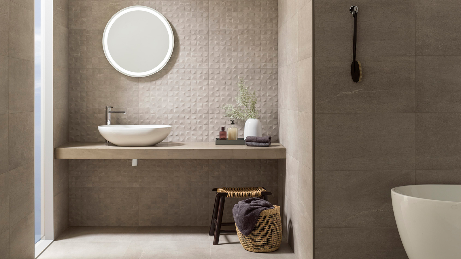 Ceramic tiles vs. Porcelain tiles: the why, how and where?