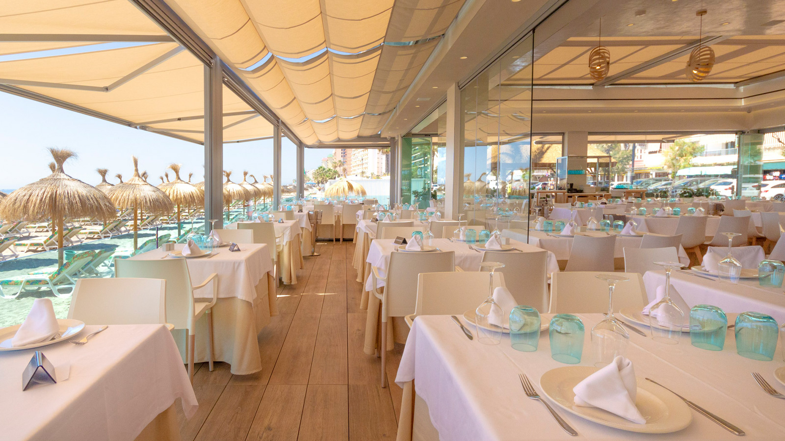 The authentic flavour of the Mediterranean comes to La Caracola's tables with Porcelanosa